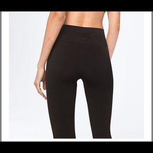 PINK Seamless Leggings/Tights Size Medium NWT